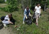 «Не ожидали увидеть столько мусора!»: саткинские школьники провели уборку на пруду