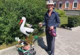 Бакальский умелец приехал в Сатку «выгулять» свои поделки