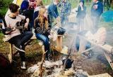 «На тусовку… в шубе!»: молодёжь Саткинского района будет провожать лето песнями и танцами