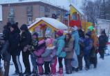«Танцуют все!»: открытие новой детской площадки бакальцы отметили весёлым праздником