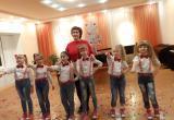 Родители учеников эстрадной студии «Шанс» выражают слова благодарности педагогу школы искусств Бакала