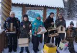 Юные саткинцы сделали съедобные кормушки для пернатых обитателей национального парка «Зюраткуль»